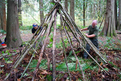 Survival shelter out of natural materials
